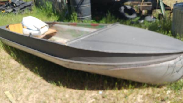 Photo Boat 12 ft Aluminum-New Price - $250 (grants pass)