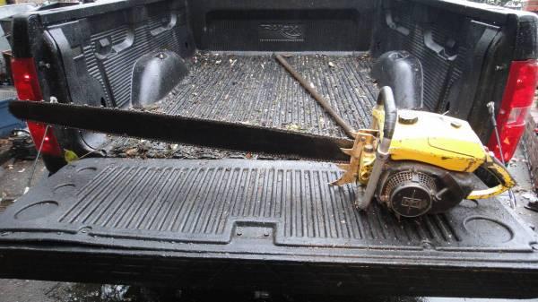 Photo Chainsaws or Chainsaw parts , Stihl, Husqvarna, Homelite, McCulloch - $50 (Eureka)