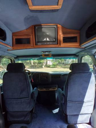 Photo Chevy Express rv 1500 for sale - $5,500 (Mad River)