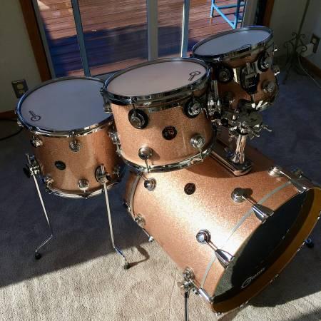 Photo DW Collectors Series 4 Piece Drum Kit - $2000 (Arcata)