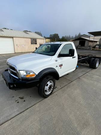 Photo Dodge RAM 5500 4X4 - $27,000 (Ukiah)