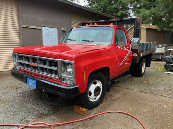 Photo GMC C30 Truck with Dump Bed - $2,500 (Fortuna)