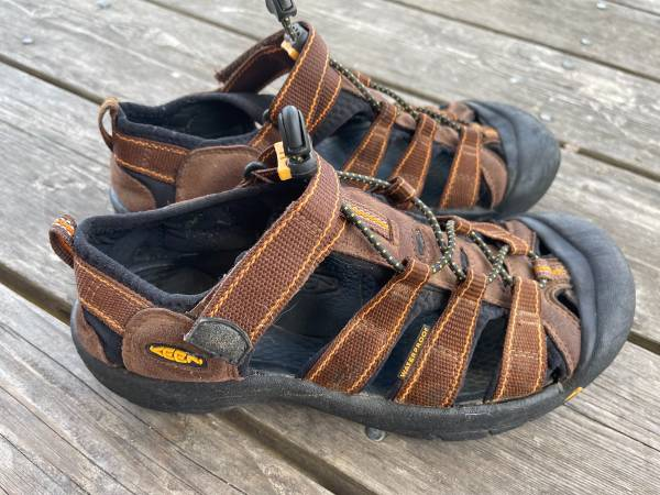 Photo Keen womens hiking sandal - $35 (Eureka)