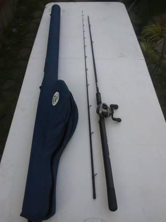 Photo Lamiglas redline Shimano reel salmon steelhead fishing pole - $175 (Eureka)