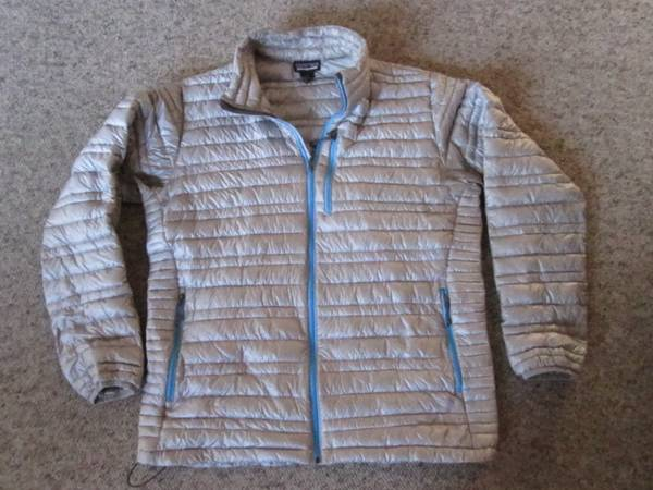 Photo Patagonia men39s Large Down Jacket - $100 (Eureka)