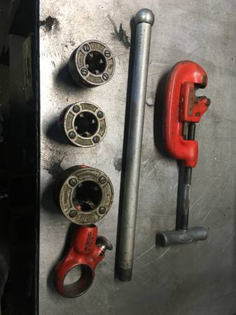 Photo Ridgid Pipe Threader and Cutter - $50 (Arcata)
