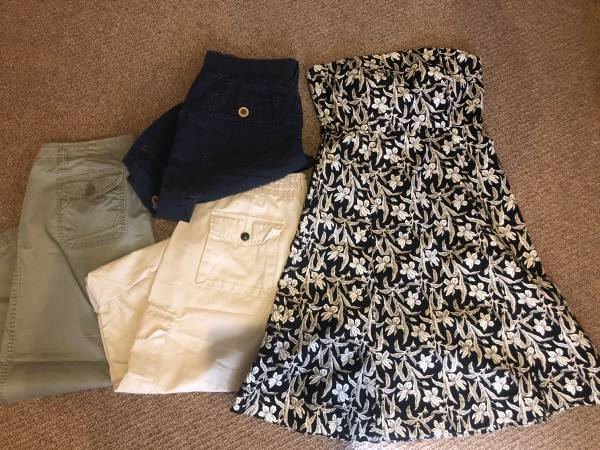 Photo Summer Clothes - womens size 6 (Eureka)