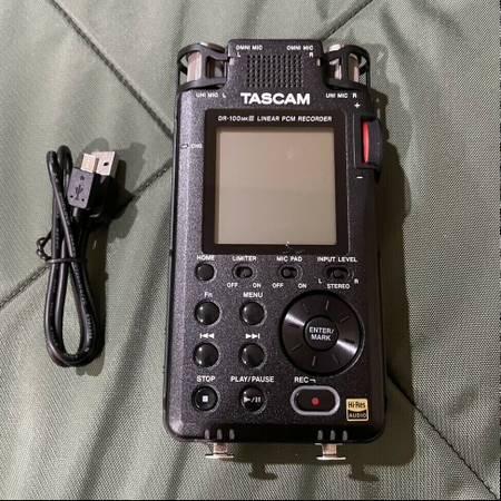 Photo Tascam dr-100mkiii 2-Ch Portable Digital Audio Recorder - $250 (Cottonwood)