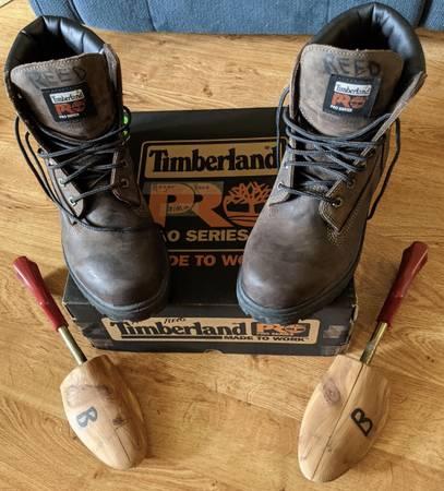 Photo Timberland Mens Work Boots - $35 (Crescent City, Ca)