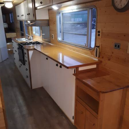 Photo Vintage Newmar tiny home - $21,500 (Crescent)