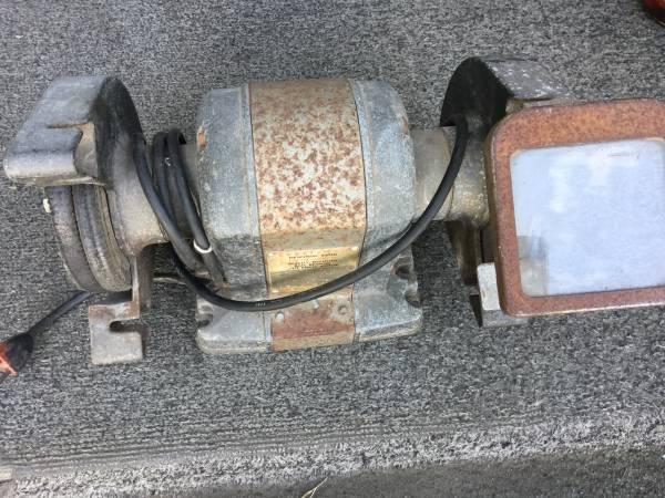Photo Vintage craftsman bench grinder with polisher - $45 (Eureka)