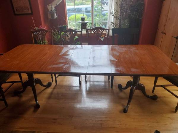 Photo Vintage kitchen table - $200 (Mckinleyville)