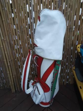 Photo Vintage leather red wilson golf club bag - $75 (Eureka)