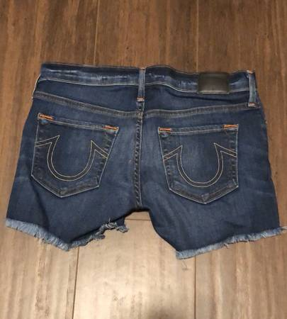 Photo Womens Big Star, True Religion  Roxy jean denim short - $30 (McKinleyville)