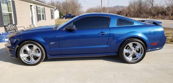 Photo 2006 Ford Mustang GT PREMIUM - $13,500 (Wheelersburg)