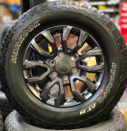 Photo Ford Ranger 6 lug 17 inch Wheels with Hankook Tires - $695 (Owingsville)