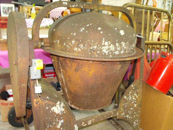 Photo Used Electric Cement Mixer (Green Sulphur Springs)