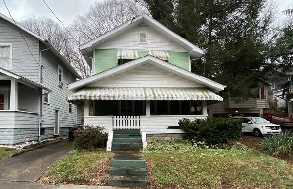 Photo Well-Kept 3-Bedroom Sold to the Highest Bidder (Charleston)