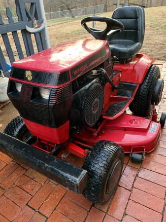 Photo Wheel Horse- Garden Tractor - $1395 (Ashland , KY)