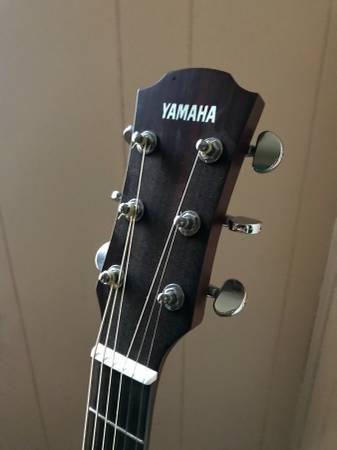 Photo Yamaha Acoustic - $350 (Chillicothe)