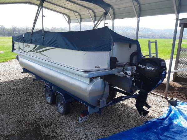 Photo pontoon boat for sale - $11,500 (OH Crown City)
