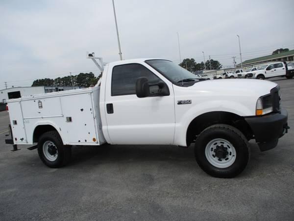 Photo 2004 Ford F250 XL Regular Cab 4wd Utility Bed 77k Miles - $10,900 (Mid TN)