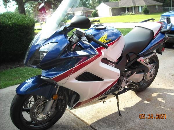 Photo 2007 Honda VFR800 - $4,400 (huntsville,al)