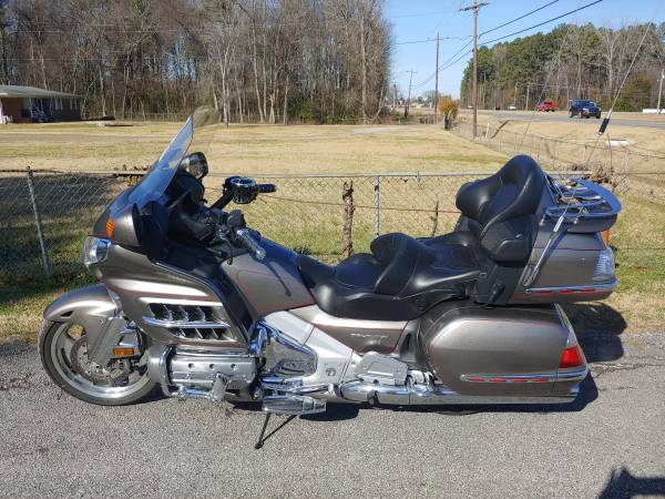 Photo 2008 Honda Goldwing GL1800 only 59k miles - $9,495 (Decatur)