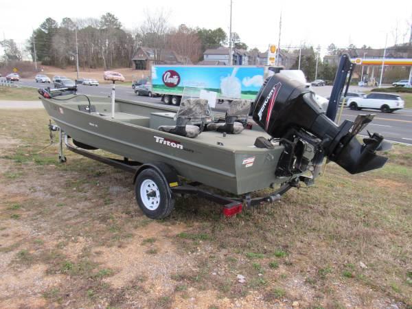 Photo 2008 Triton 1860 SC Aluminum Fishing Hunting Boat with 90 Mercury - $8995 (Huntsville, AL)