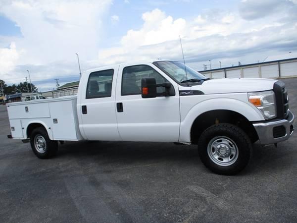 Photo 2012 Ford F250 XL Crew Cab 4wd Utility Bed - $17,900 (Mid TN)