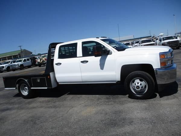 Photo 2015 Chevrolet Silverado 3500 4x4 Crew Cab Flatbed DRW - $31,900 (Mid TN)