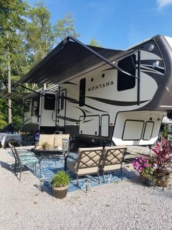 Photo 2016 Keystone Montana 5th Wheel - $60,000 (Smith Lake Park (Cullman, AL))