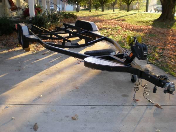 Photo 2139 Tandem Axle Bass Boat Trailer - $2,250 (Estill Springs, TN)