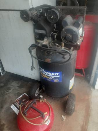 Photo 30 gallon kobalt compressor - $175 (Grant al)