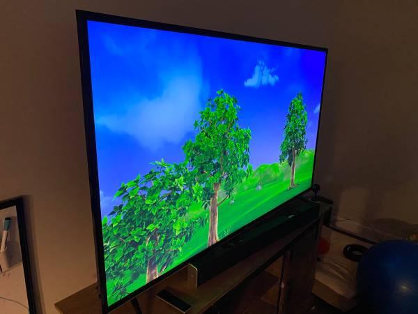 Photo 65 Vizio 4K Ultra HD Smart TV  3.5 years geek squad ($800 total new) - $500 (Huntsville)