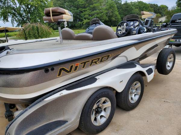 Photo 929 CDX Nitro Bass Boat - $18,500 (Elkmont)