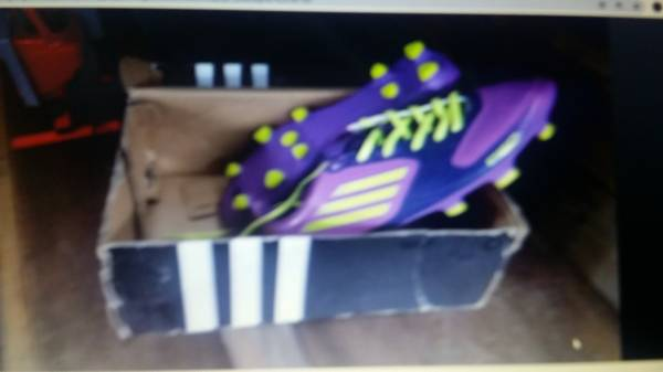 Photo Adidas womens cleats size 10 - $25 (Somerville)