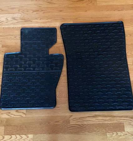 Photo BMW X3 2004-2010 Front Floor Mats--PRICE REDUCED - $30 (Huntsville)