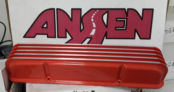 Photo Chevy sb finned Aluminum valve covers. Powder coated. - $75 (Decatur)