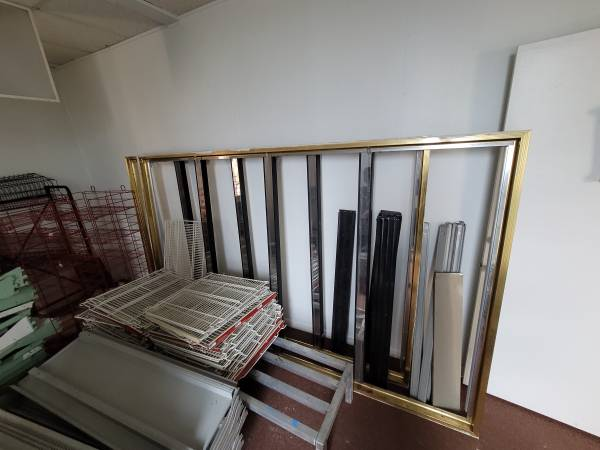 Photo Commercial Styleline 8 Glass Doors Refrigerator frame and shelving - $2,000 (Decatur al)