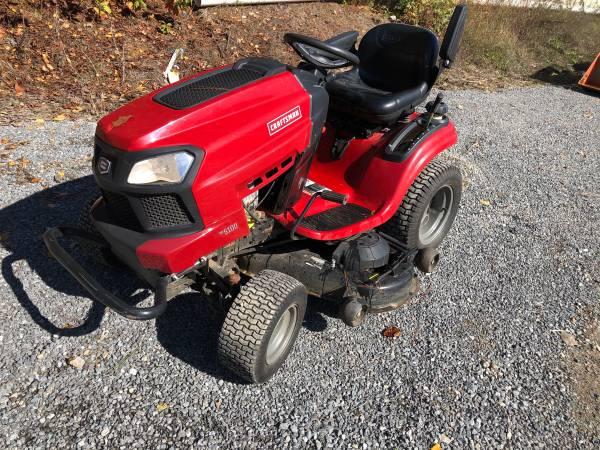 Photo Craftsman G5100 Riding Lawn Mower Garden Tractor 24hp 48 Deck - $1400 (Huntsville)