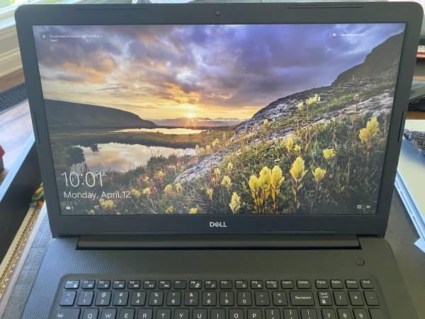 Photo Dell Inspiron 17quot 3793  2 yr mfg warranty  Extras - $499 (Rock Spring)