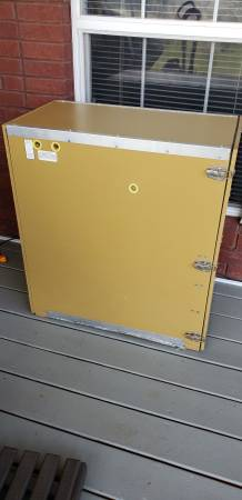 Photo G.Q.F. Cabinet Egg Incubator - $350 (Taft, Tn)