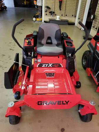 Photo Gravely ZTX 42 Zero Turn Lawn Mower - $2905 (Madison, Alabama)