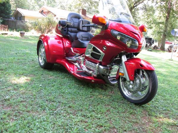 Photo HONDA GOLDWING GL 1800 W CSC VIPER TRIKE KIT CONVERSION - $28,500 (ROME,GA)