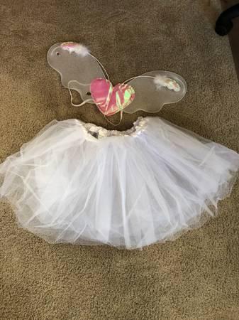 Photo Halloween costume, fairy, ballerina, tutu and wings - $30 (Guntersville)