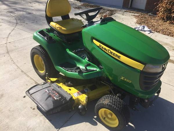 Photo John Deere X320 w48quot Deck 195 hours may trade - $2950