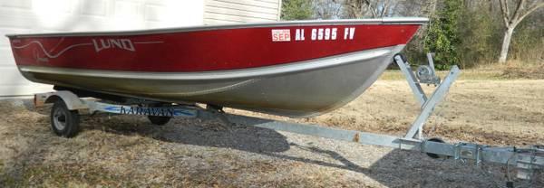 Photo Lund WC-14 Boat with Karavan Trailer - $1,500 (huntsville)