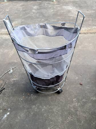 Photo Metal Rolling Basket - $15 (Decatur al)