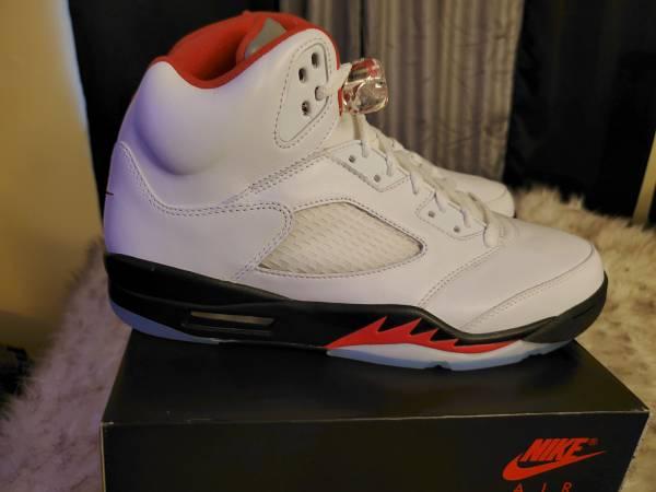 Photo Nike Air Jordan 5s (Fire Red) 2020 - $200 (Athens)